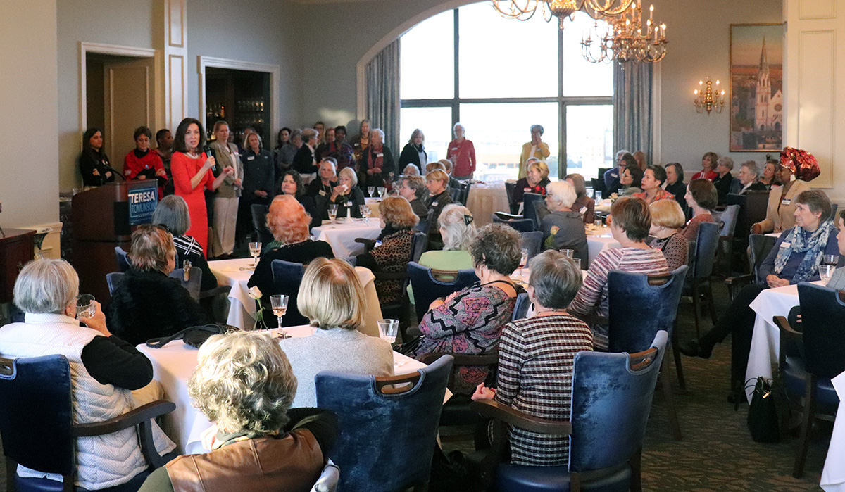 Tomlinson Women's Event Draws Crowd in Savannah